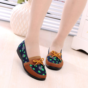 Casual Shallow Mouth Flat Canvas Shoes