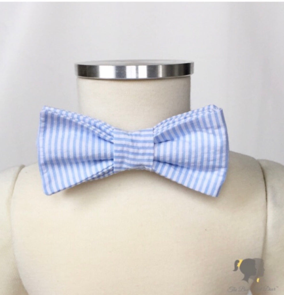 Carter Bow Tie in Blue Seersucker Blue Seersucker - Doodlebug's Children's Boutique