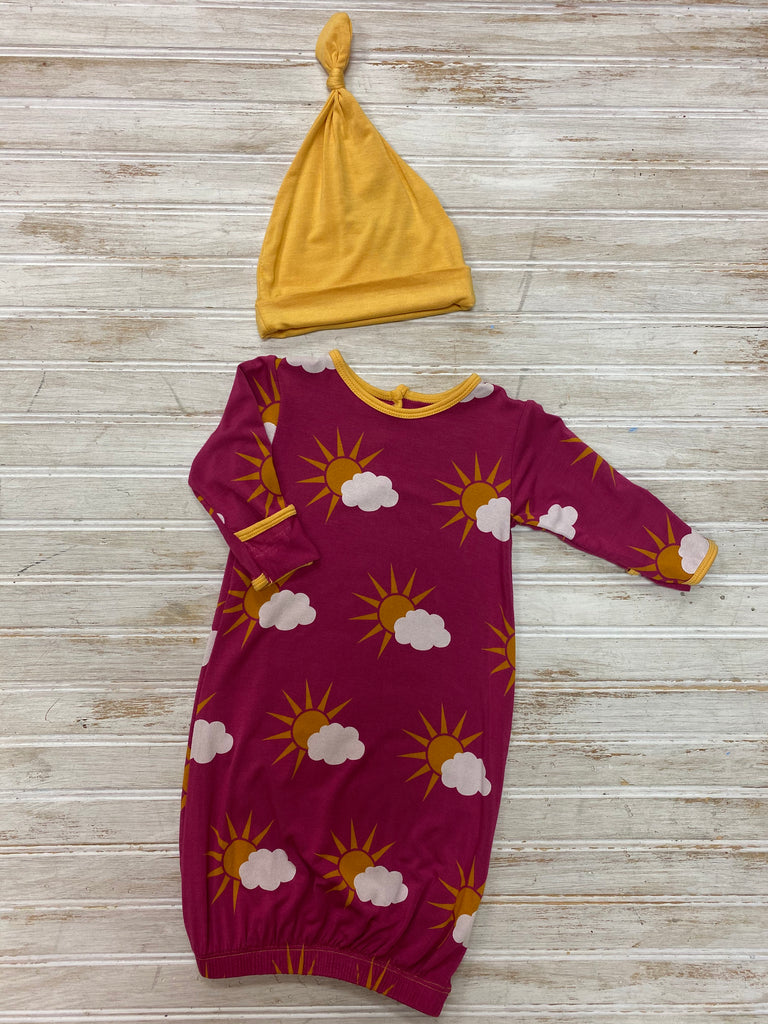 Print Layette Gown and Knot Hat Set in Berry Partial Sun  - Doodlebug's Children's Boutique