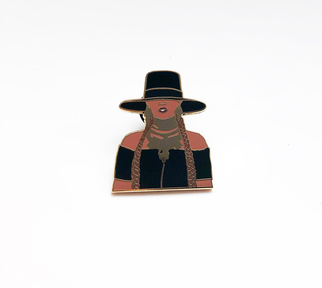 Bey Enamel Pin GOLD | Formation