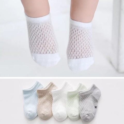 5 Pairs of Cotton Rich Trainer Liner Socks-Boy Small Holes Pattern