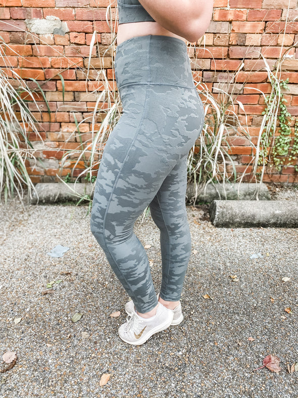 Daray Textured Camo Highwaist Leggings- Gunmetal