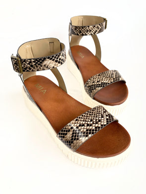 Lunna Sandals- Beige - Texas Bling