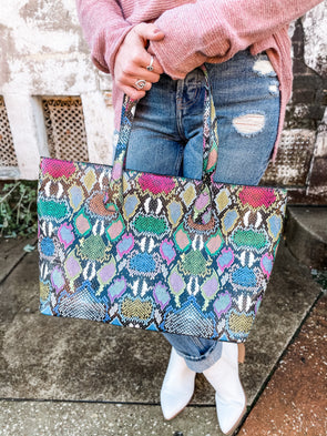 Cassie Shoulder Tote Bag- Snake Multi Graffiti