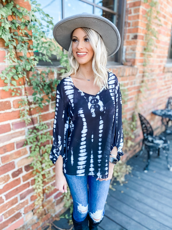 Kye Tie Dye Bubble Sleeve Top- Black