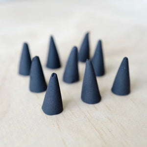 Blackbird Incense: Izba