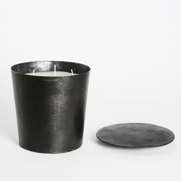 Mad et Len Grande Vestimentale Candle - Spirituelle - The Give Store