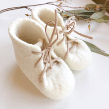 Felt Booties - Natural White