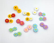 Vintage Inspired Daisy Hair Clips