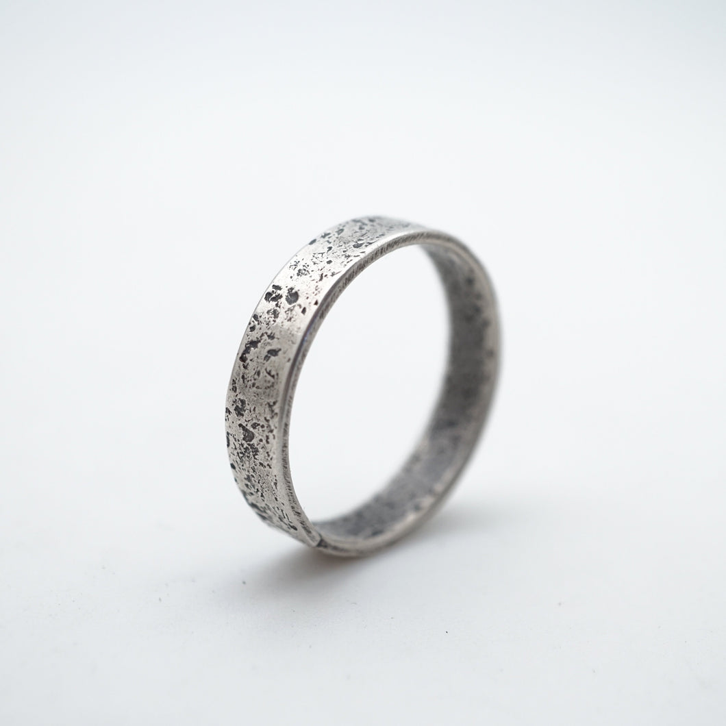 men's textured ring band