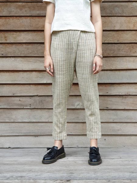 Side Pleat Pegged Trousers