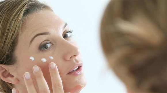 What Causes Dry Skin? Factors and Reasons