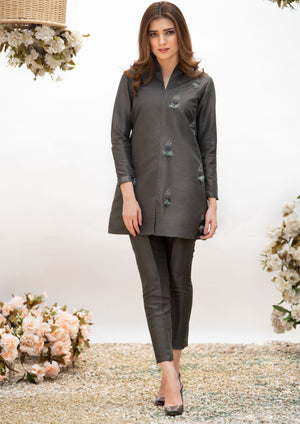 celebrity outfit-black-best fashion designers in pakistan