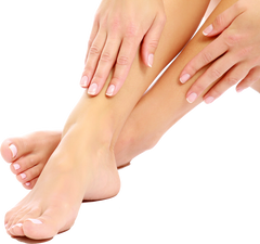 mains pieds ongles blancs