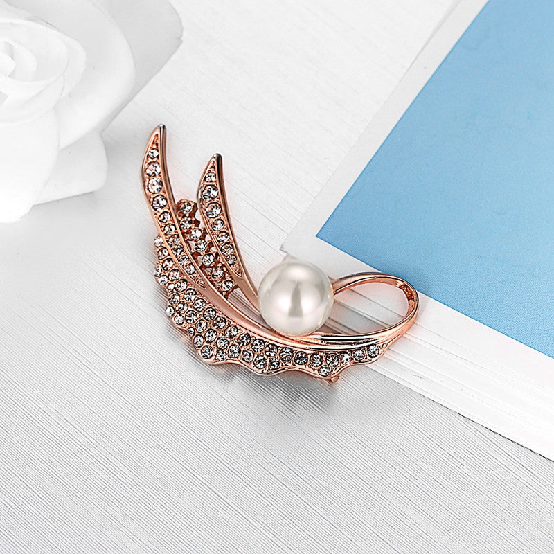 November Wind Rose Gold Diamante Brooch