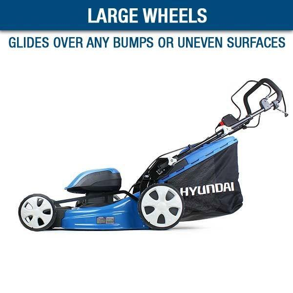 Hyundai HYM120LI510 2 x 60V Lithium Ion Cordless Battery Powered Self Propelled Lawn Mower With 2x Batteries and Charger