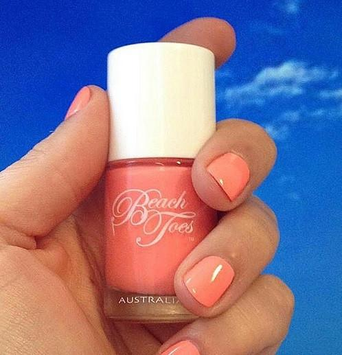beach toes peach nail varnish