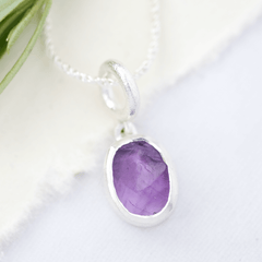 raw gemstone pendnat amethyst