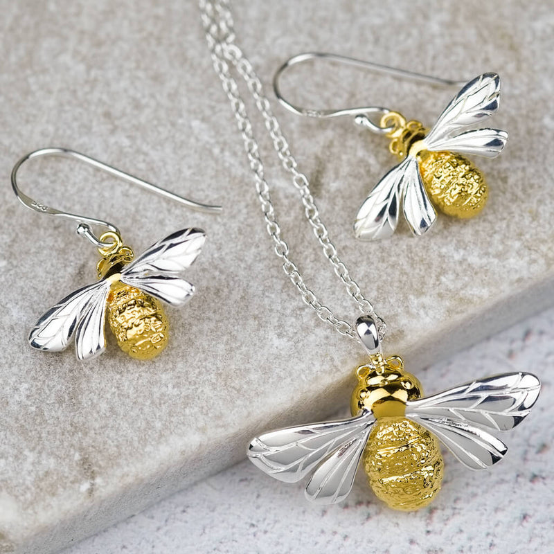 queen bee necklace and earring set
