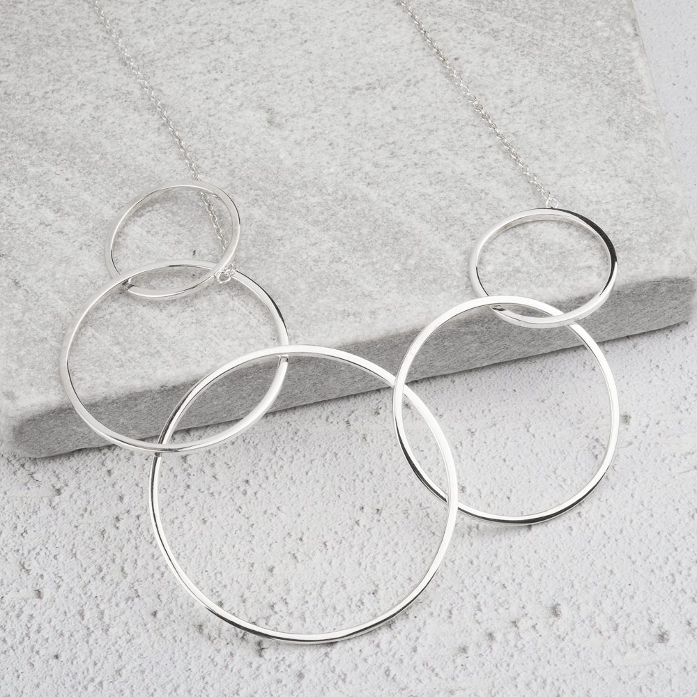 Large circles silver necklace