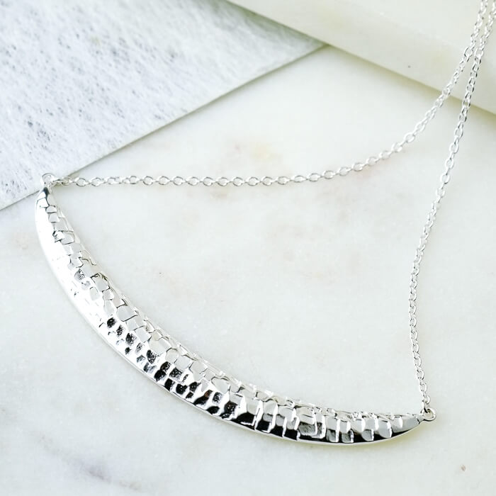 Silver Textured Curve Necklace - SugarMango