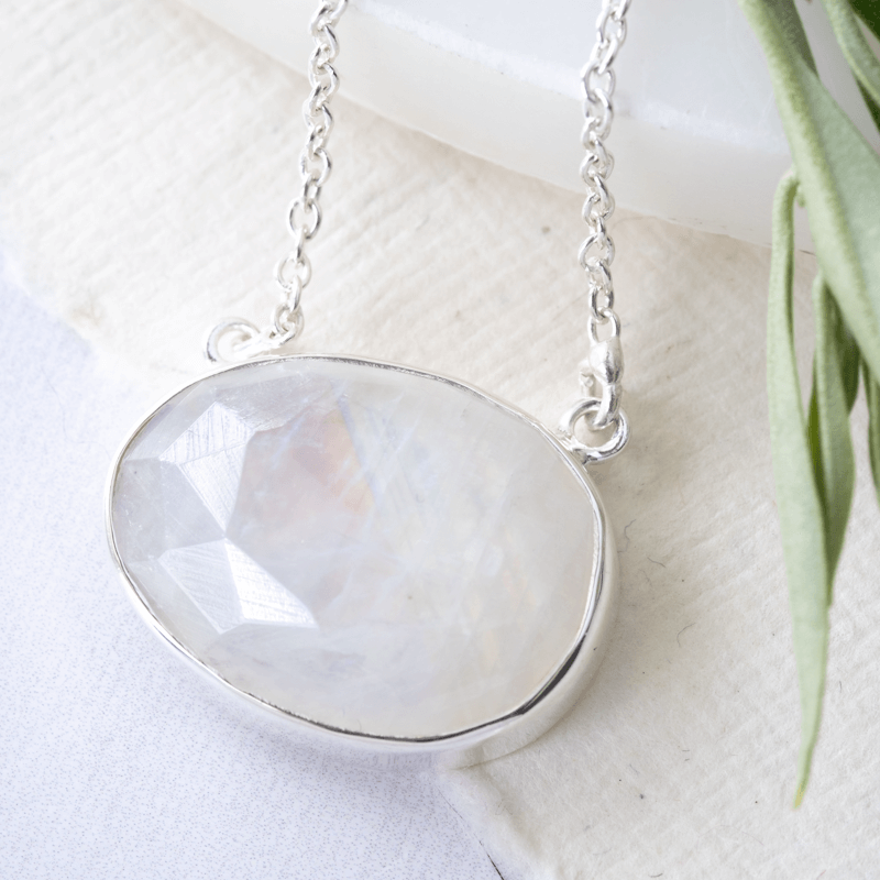 simple gemstone moonstone necklace silver