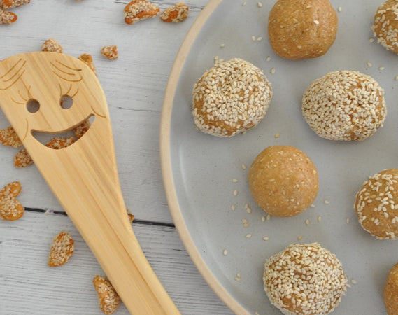 Honey Sesame Cashew Protein Balls