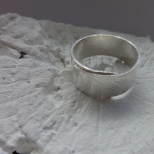 sterling silver thick ribbon ring