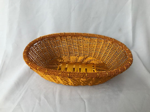 WIRE OVAL BASKET IN GOLD POLISH
