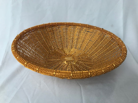 WIRE ROUND BASKET IN GOLD POLISH