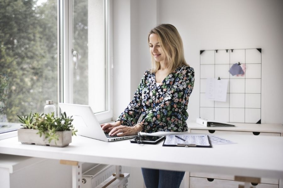 The Science Behind How Standing Desks Improve Productivity