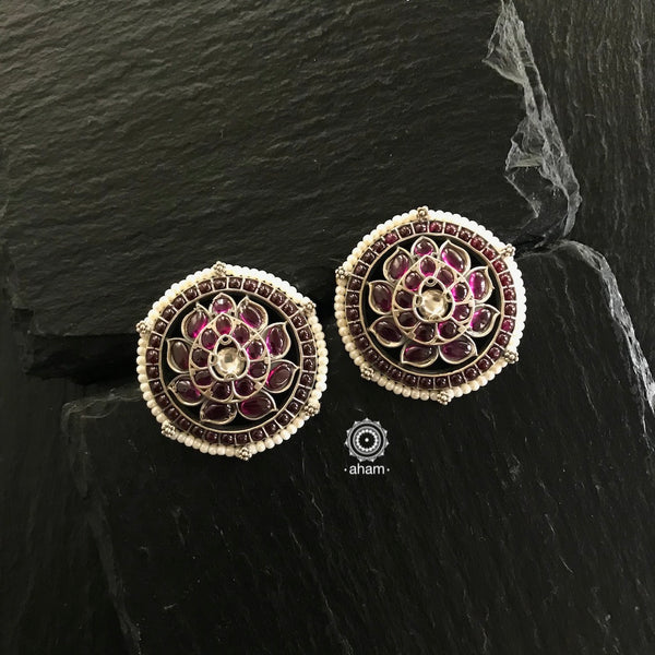 Stunning and gorgeous, an impeccably handcrafted pair of Kemp stone earrings in Sterling Silver (92.5%) laced with pearls