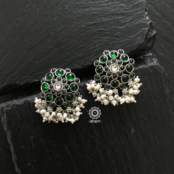 Stunning and gorgeous, an impeccably handcrafted pair of green stone earstuds in Sterling Silver (92.5%) with hanging pearls.