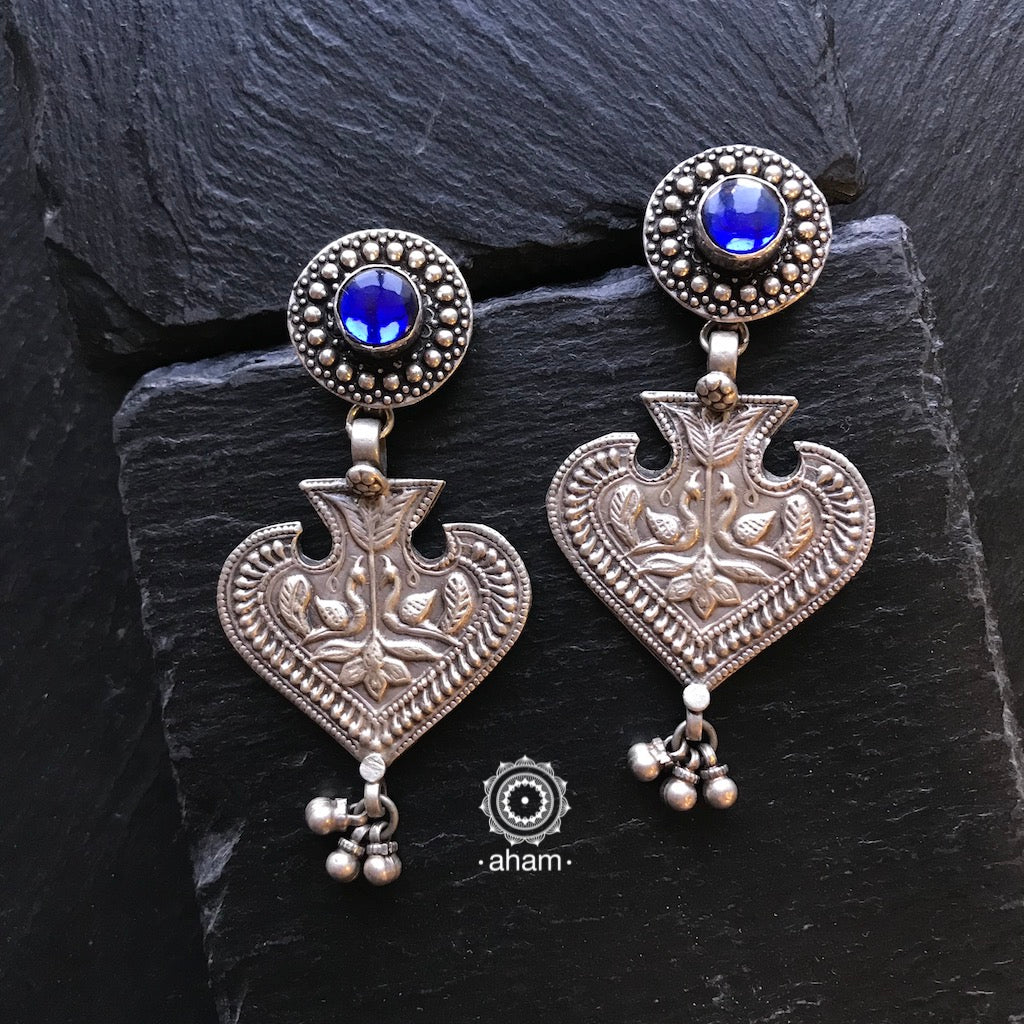 Mewad One Silver Peacock Earring