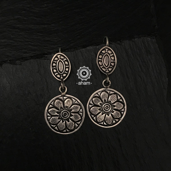 Mewad Light Weight Chitai Silver Earring