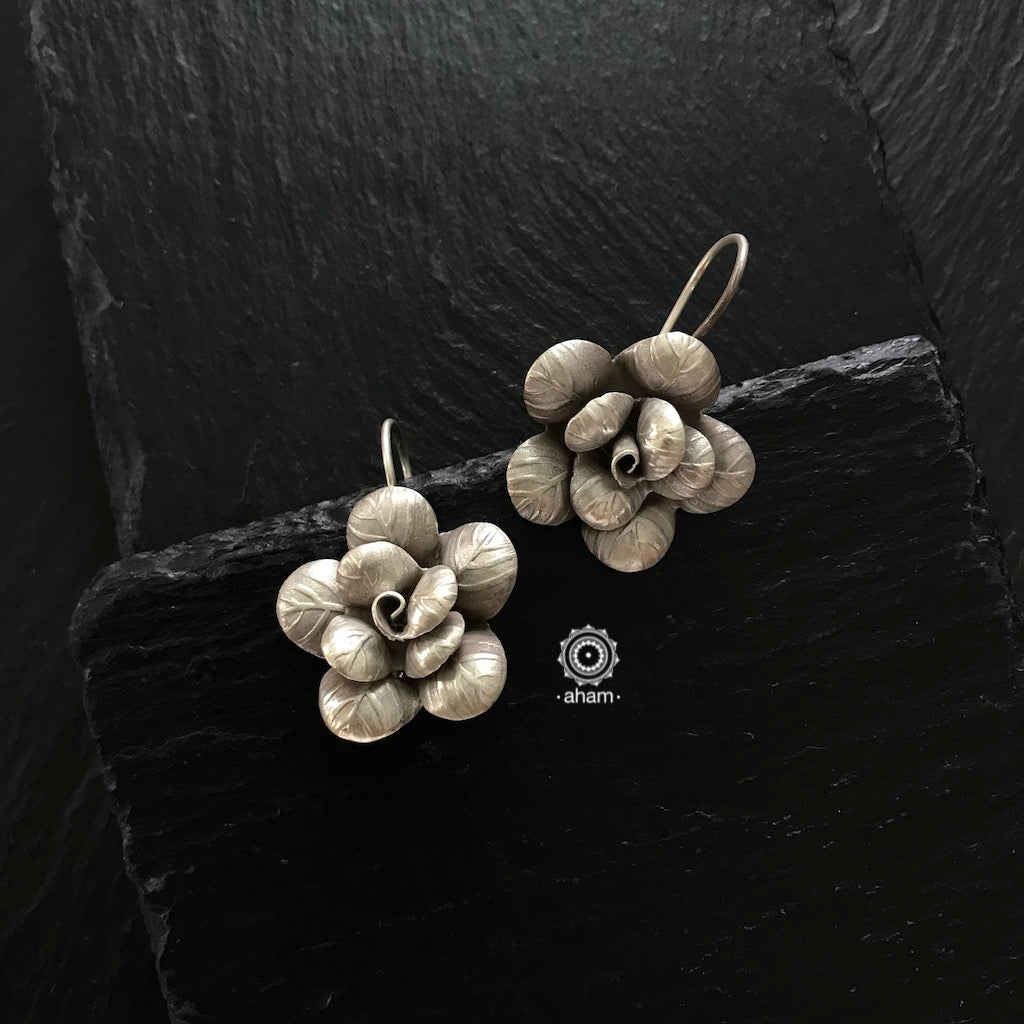 Contemporary light weight earrings in 92.5 silver.  Perfect wear from Dawn to Dusk.  Designed and Handcrafted by Thai Chiang Mai Karen Hill Tribe.