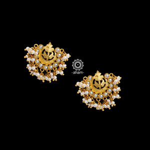 Classic silver gold polish earrings With Pearls. perfect for festivities.