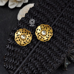 Light weight wearable 92.5 Sterling Silver Gold Polish Earrings.                      Perfect to wear them to work, family gatherings or for a Sunday Brunch.