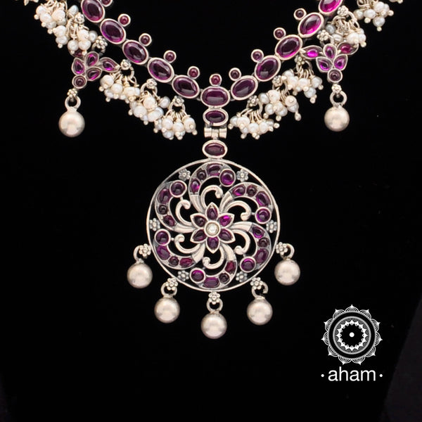 92.5 Sterling Silver Neckpiece with Kemp Stone Setting and Pearls