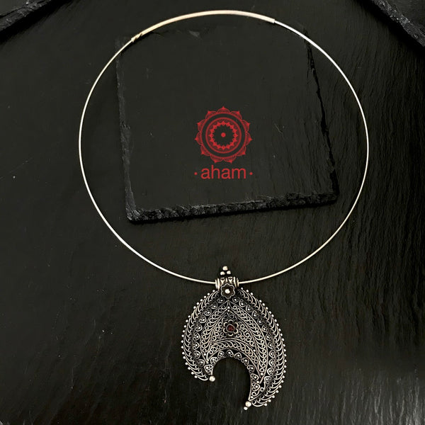 Everyday Wear Silver Pendant in 92.5 silver with Wire Hasli.  Easy to wear, looks great with Indian and Western outfits.  The Hasli is easily removable and can be used with any other pendant as well