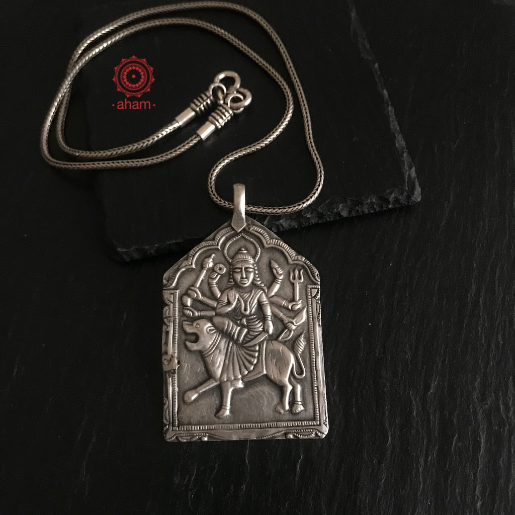 Light weight silver durga pendant with chain.  the chain is screw openable and can be used with any pendant.