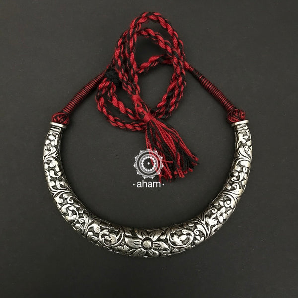 Hand Chitai work 92.5 Sterling silver hasli.  comes with adjustable thread for easy of wear.  a classic piece this is.