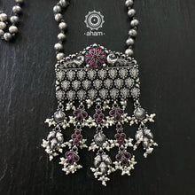 Fine handcrafted sterling silver 92.5 neckpiece. Dress up your evening with this stunner piece!