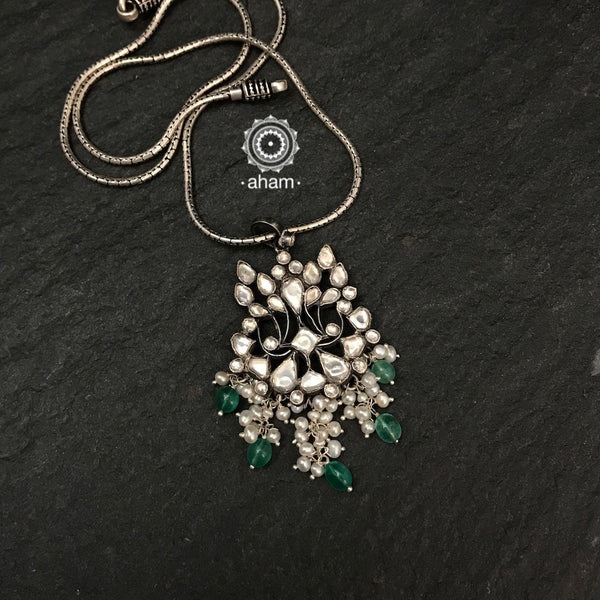 Silver Kundan Pendant. These delicate beauties add that sparkle to your festive wear.  (chain not included)