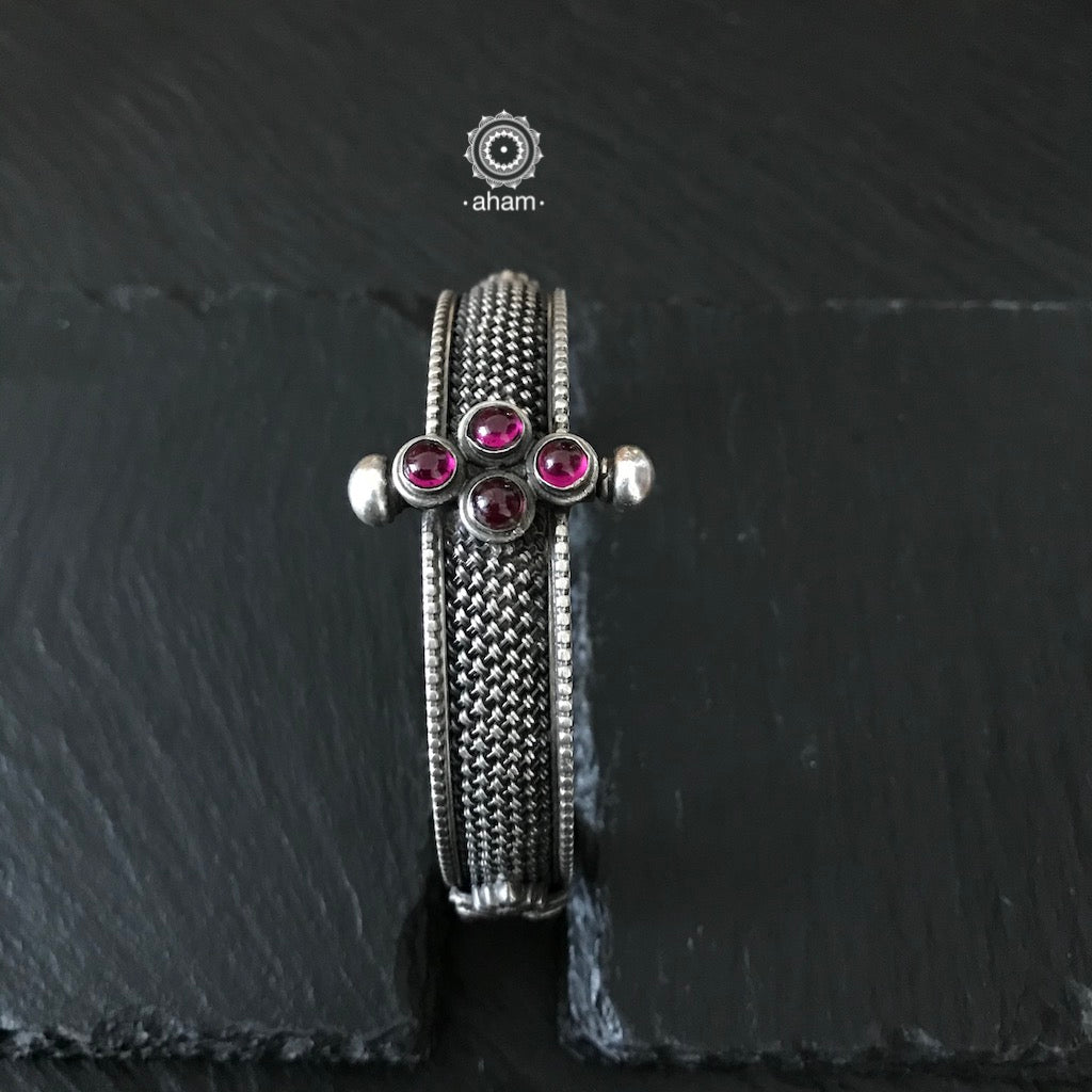 Handcrafted Silver Kada with Weave Pattern and Kemp Stone Setting