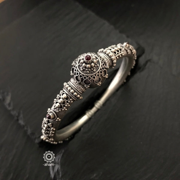 Handcrafted Silver kada with kemp stones.  Fine tar and rava work 92.5 sterling silver kada, crafted to perfection