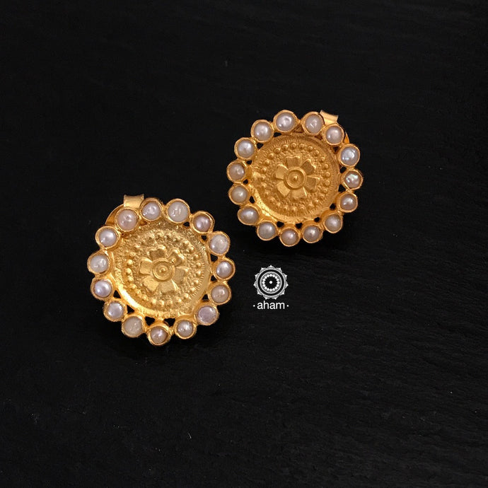 Gold Studs with Pearls