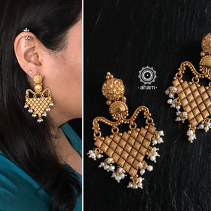 Gold Polish Festive Earring