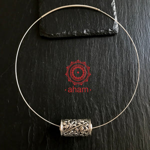 Silver Chitai Pendant with Wire Hasli