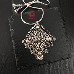 Silver thapi and tar work pendant